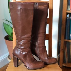 Vintage Tommy Hilfiger brown knee high boots 7 BO